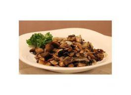 Белые грибы, жаренные с луком и сметаной