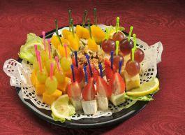Канапе фруктовое